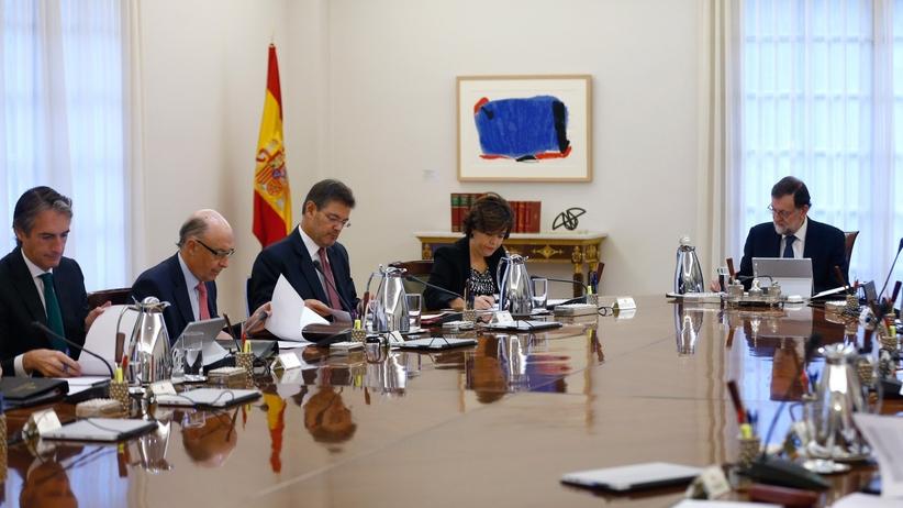 Rajoy grozi władzom Katalonii zawieszeniem autonomii regionu