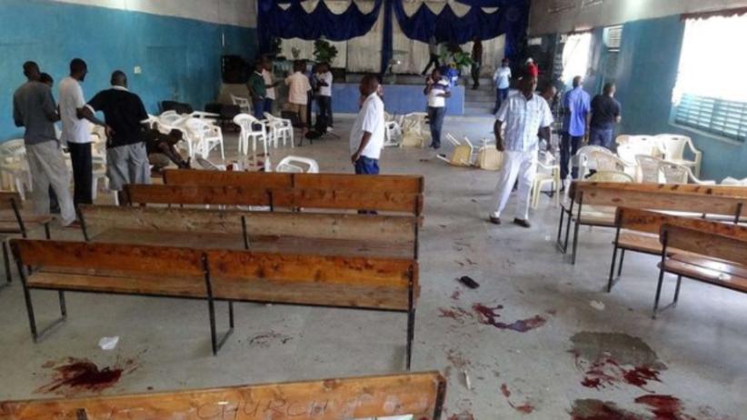 Zamach w trakcie mszy. Napastnicy zabili dziesiątki wiernych