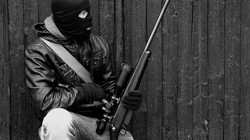 Norwescy policjanci aresztowali Polaka. Na Halloween przebrał się za terrorystę