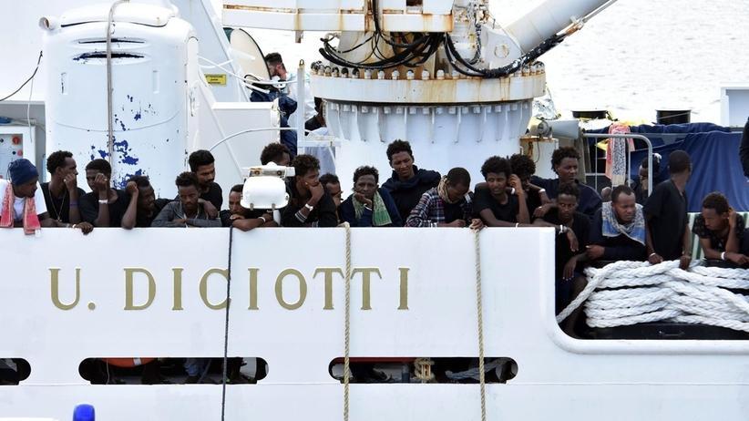 Nowa polityka migracyjna Włoch. Na decyzję azylową czeka 110 tysięcy osób