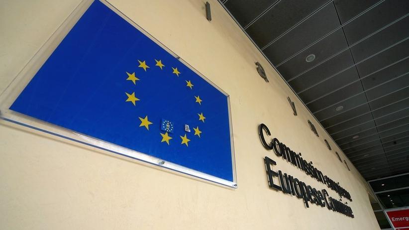 KE apeluje do krajów unijnych. O podpisanie paktu migracyjnego