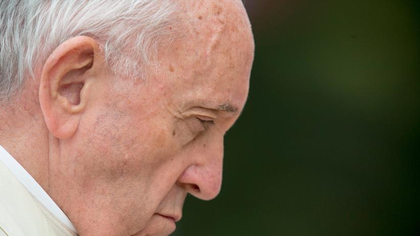 Franciszek usunął ze stanu kapłańskiego księdza pedofila