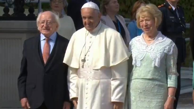 Papież w Irlandii. Spotka się z grupą ofiar księży pedofilów