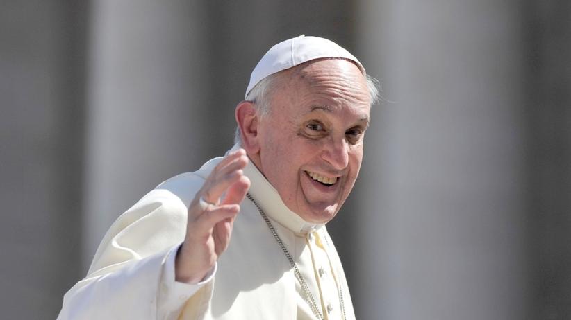 Papierosów przy papieżu już nie kupisz. Franciszek zabronił sprzedaży tytoniu w Watykanie