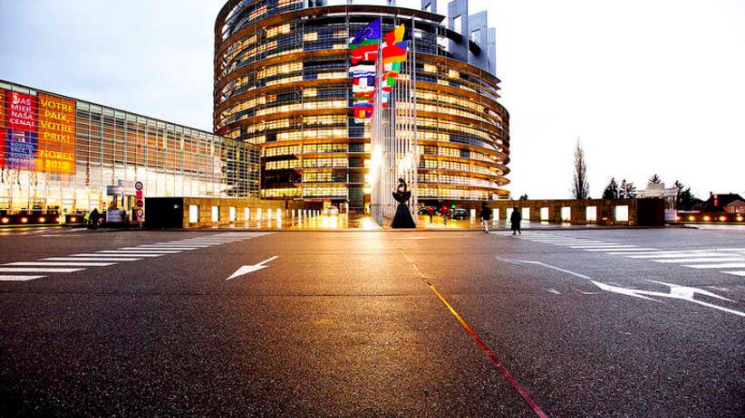 Parlament Europejski: uchodźcy powinni Europejczyków inspirować [WIDEO]