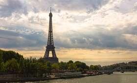 Paryż: Będą kuloodporne szyby wokół wieży Eiffla