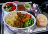 Pasażer w samolocie dostał kanapkę przeterminowaną o... 10 lat
