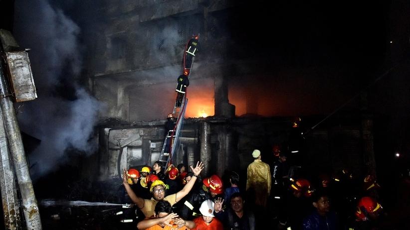 Tragiczny bilans pożaru. Nie żyje kilkadziesiąt osób