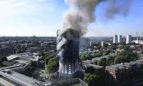 Pożar w Londynie. Przerażające zdjęcia z Grenfell Tower [GALERIA]