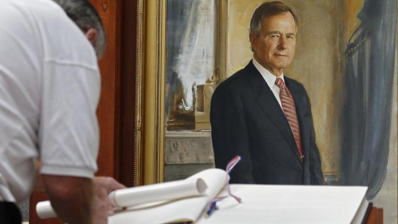 Prezydent Polski Andrzej Duda pojedzie na pogrzeb George'a Busha seniora