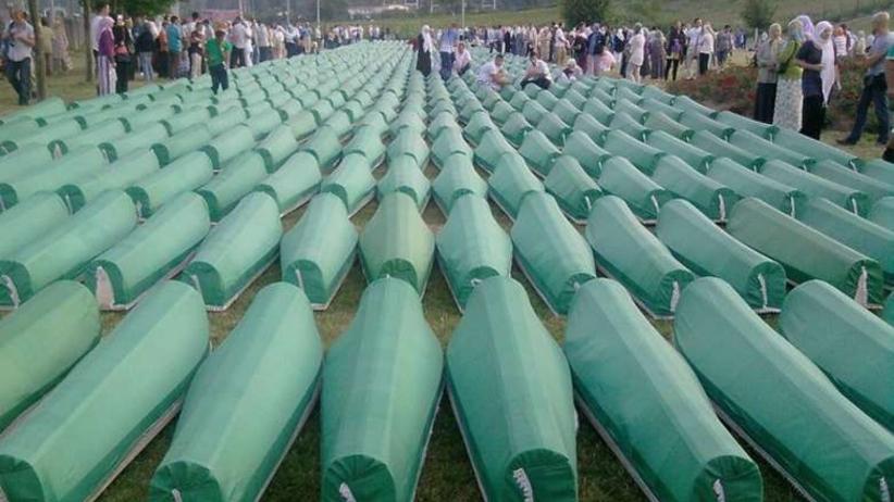 Pochówek w Srebrenicy