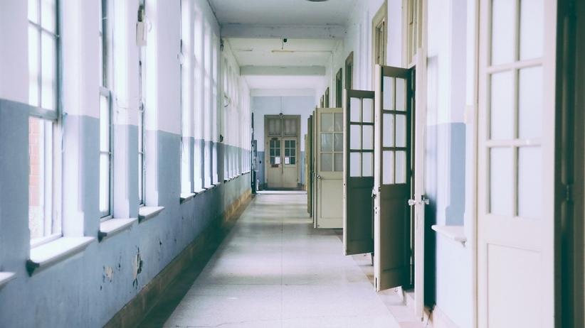 Rosja: Bójka z nożami w szkole w Permie