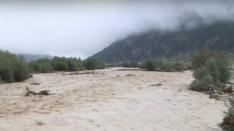 Ewakuacja turystów w rejonie Elbrusu. Błoto odcięło kurort