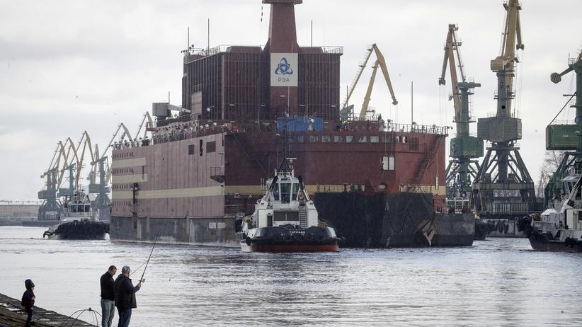 Rosja: pływająca elektrownia jądrowa Akademik Łomonosow na Bałtyku