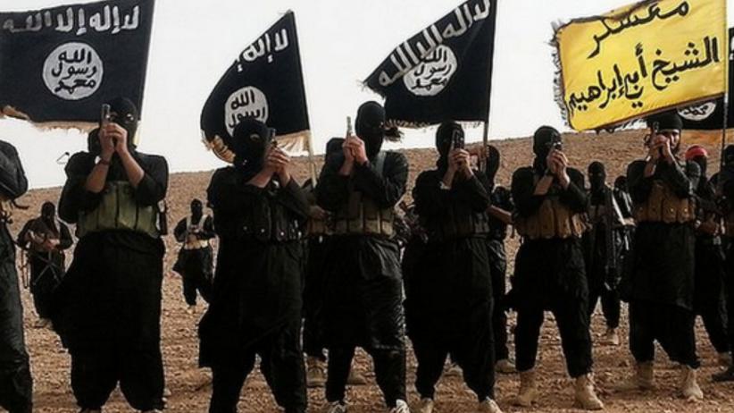 Rosjanie bombardują dżihadystów uciekających z Rakki. Ponad 80 ofiar