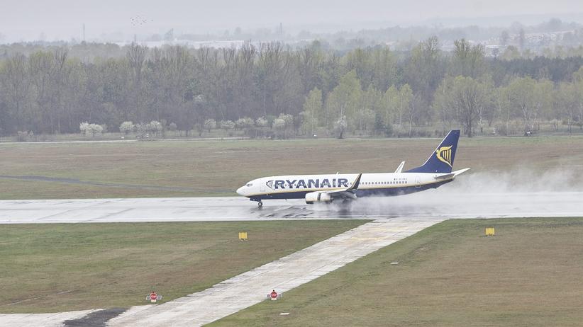 Nie będzie tanich lotów na Ukrainę. Ryanair anuluje trasy do Kijowa i Lwowa