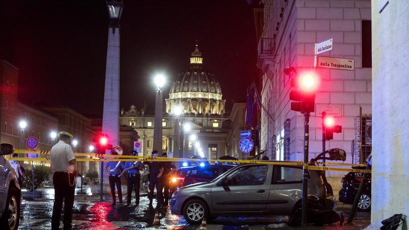 Rzym. Samochód uderzył w grupę Polaków niedaleko Watykanu