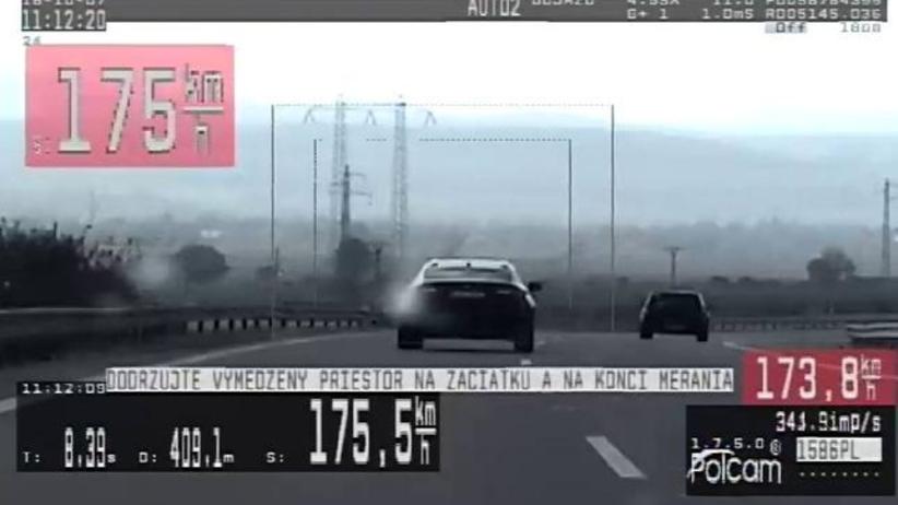 """""""Kolejny pirat drogowy z Polski"""" zatrzymany na Słowacji. Jechał niemal 200 km/h"""