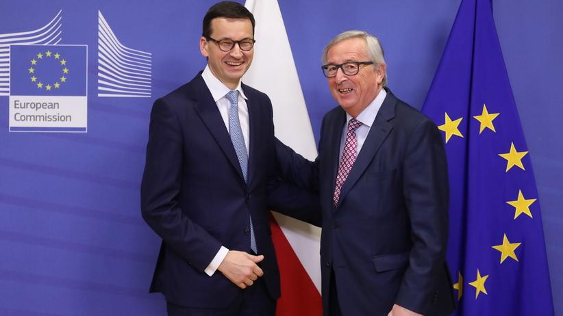 Morawiecki rozmawiał z Junckerem. Poruszono temat praworządności