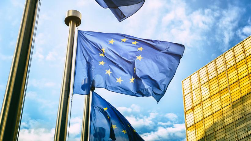Źródło w KE: Środki unijne uzależnione od praworządności. Będzie zamrażanie funduszy?