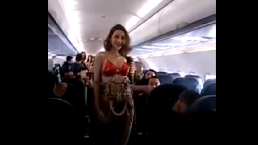 Wietnam: linia lotnicza VietJet w ogniu krytyki: stewardesy w bikini na pokładzie [WIDEO]