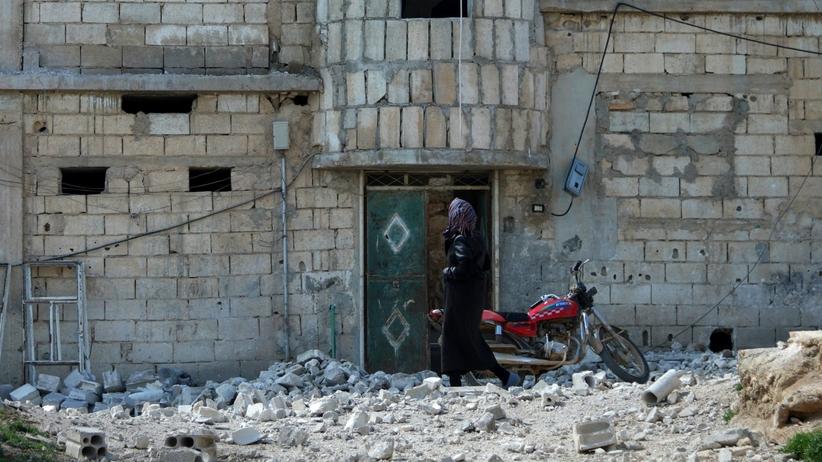 Wschodnia Guta: kolejni cywile uciekają korytarzem humanitarnym
