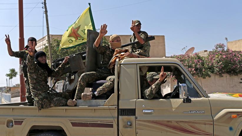Syria. Siły rządowe wkroczyły do miasta Manbidż kontrolowanego przez Kurdów