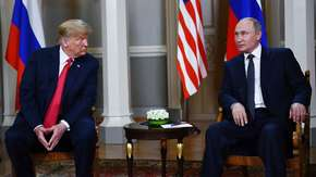 Szczyt USA-Rosja. Donald Trump spotkał się z Władimirem Putinem