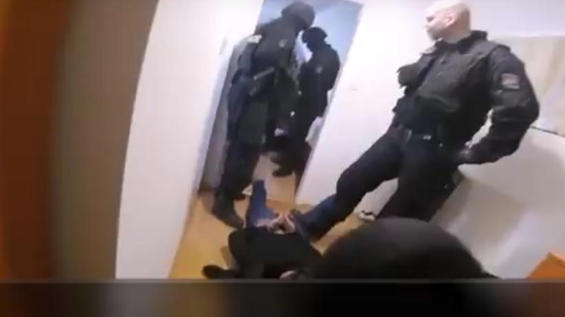 Sześciu Algierczyków zgwałciło irlandzką turystkę w centrum Pragi. Oto reakcja policji [WIDEO]