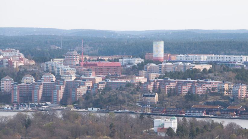 Afera w Szwecji. Gmina kupiła 3 mieszkania dla imigranta z Syrii i jego... 3 żon!