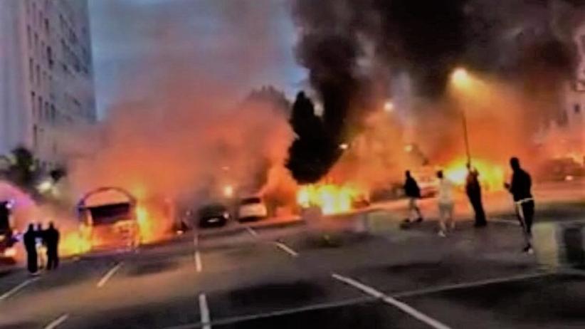 Co najmniej 88 samochodów podpalono w nocy w Goteborgu