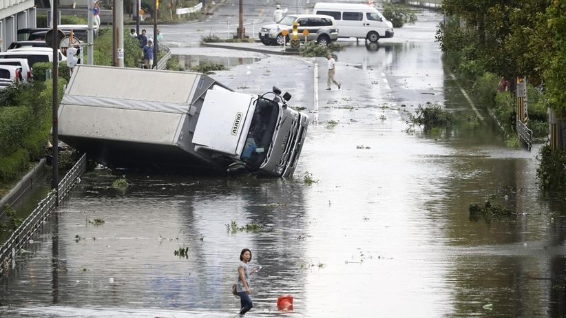 Tajfun Jebi spustoszył Japonię. Co najmniej 11 ofiar. Ponad 340 rannych