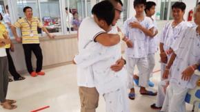 Tajlandia: Uratowani chłopcy wyszli ze szpitala. Są w pełni sił [ZDJĘCIA]