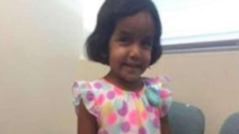 Teksas: Śmierć 3-latki, która nie chciała wypić mleka. Ojciec zmienia zeznania