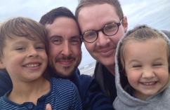 Transseksualny mężczyzna urodzi syna