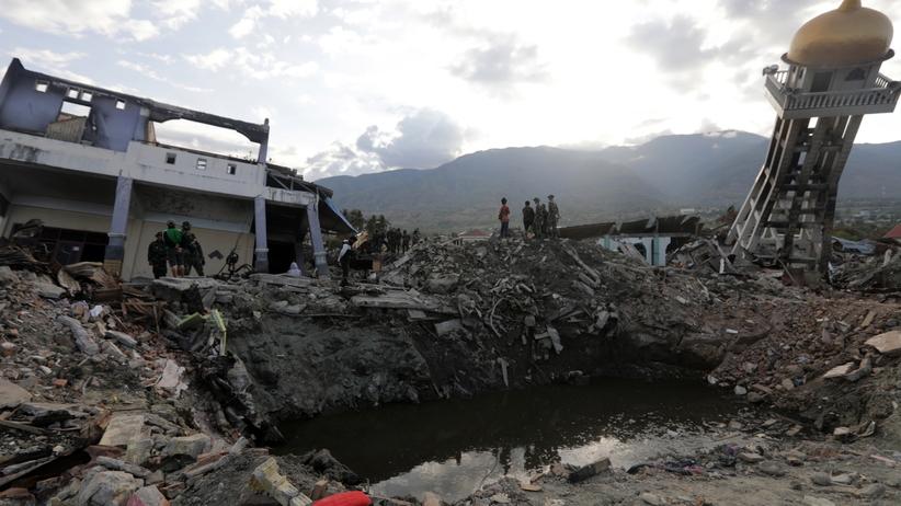 Coraz więcej ofiar w Indonezji. Żywioł zbiera śmiertelne żniwo