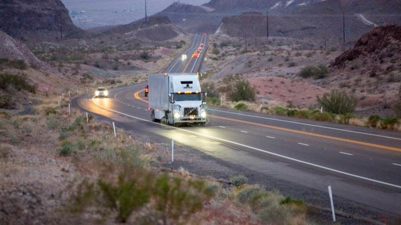 Autonomiczne ciężarówki Ubera wyjechały na drogi w Arizonie. Jeżdżą bez kierowców