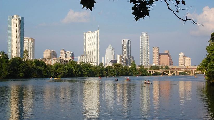 USA: eksplozje bombowe w stolicy Teksasu. Są zabici i ranni