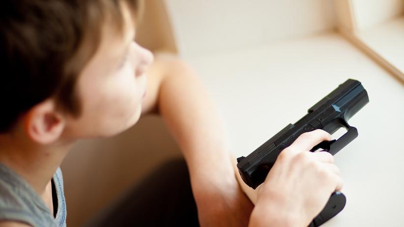 4-latek strzelił w twarz ciężarnej matce. Broń znalazł pod łóżkiem