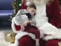 Ostatnie spotkanie z Mikołajem. Dwulatek nie doczekał prawdziwych świąt [FOTO]