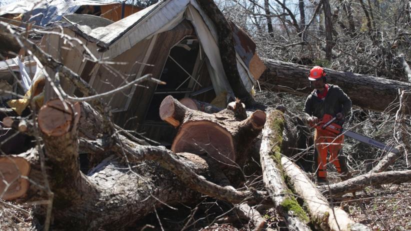Tornado spustoszyło Alabamę. Siedmioosobowa rodzina zginęła we śnie [ZDJĘCIA]