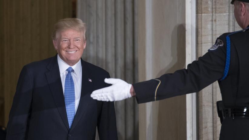 Trump przyznał własne nagrody. Jedna dotyczy... Polski!
