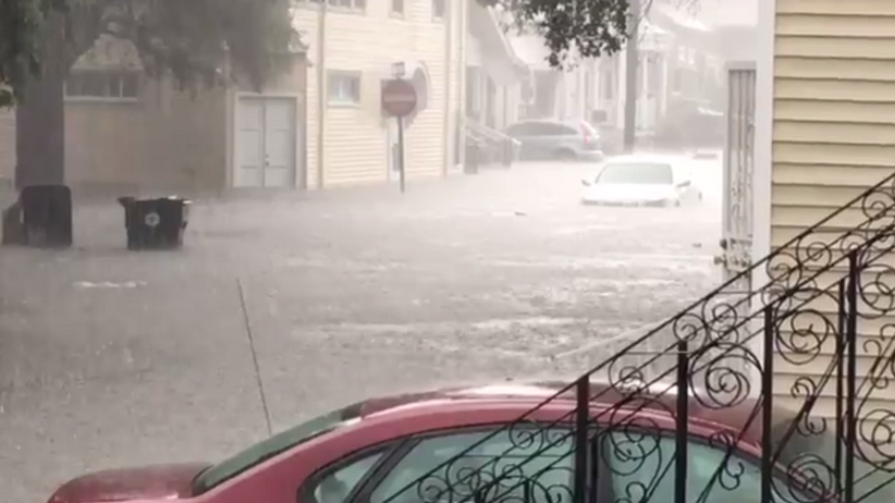 Ulewy w Nowym Orleanie. Część miasta pod wodą [FOTO]