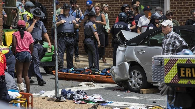 Starcia w Charlottesville. Zginęło dwóch policjantów