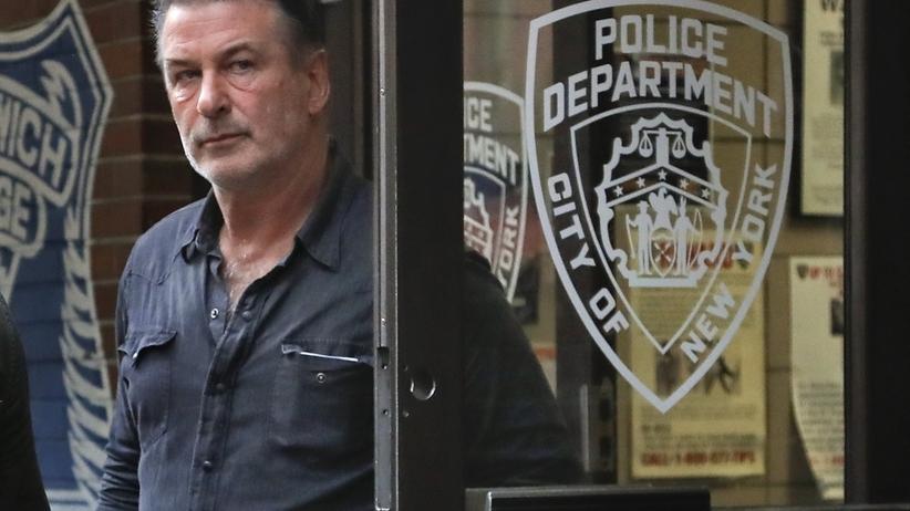 Alec Baldwin aresztowany. Pobił mężczyznę, bo ten zaparkował na jego miejscu