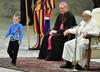 Watykan. Niepełnosprawny chłopiec podszedł do papieża podczas audiencji