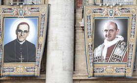 Watykan. Papież Franciszek kanonizował Pawła VI i Oscara Romero