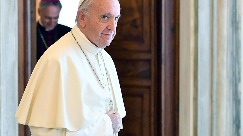 Szok w Watykanie. Papież Franciszek oskarżony o herezje