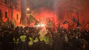 Węgrzy przeciw Orbanowi. Tysiące osób na ulicach!