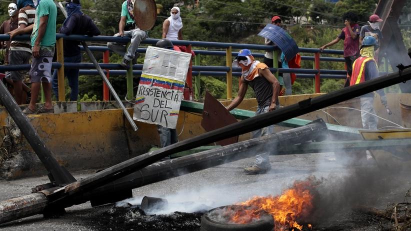 Wenezuela na krawędzi wojny domowej. Kolejne osoby zginęły